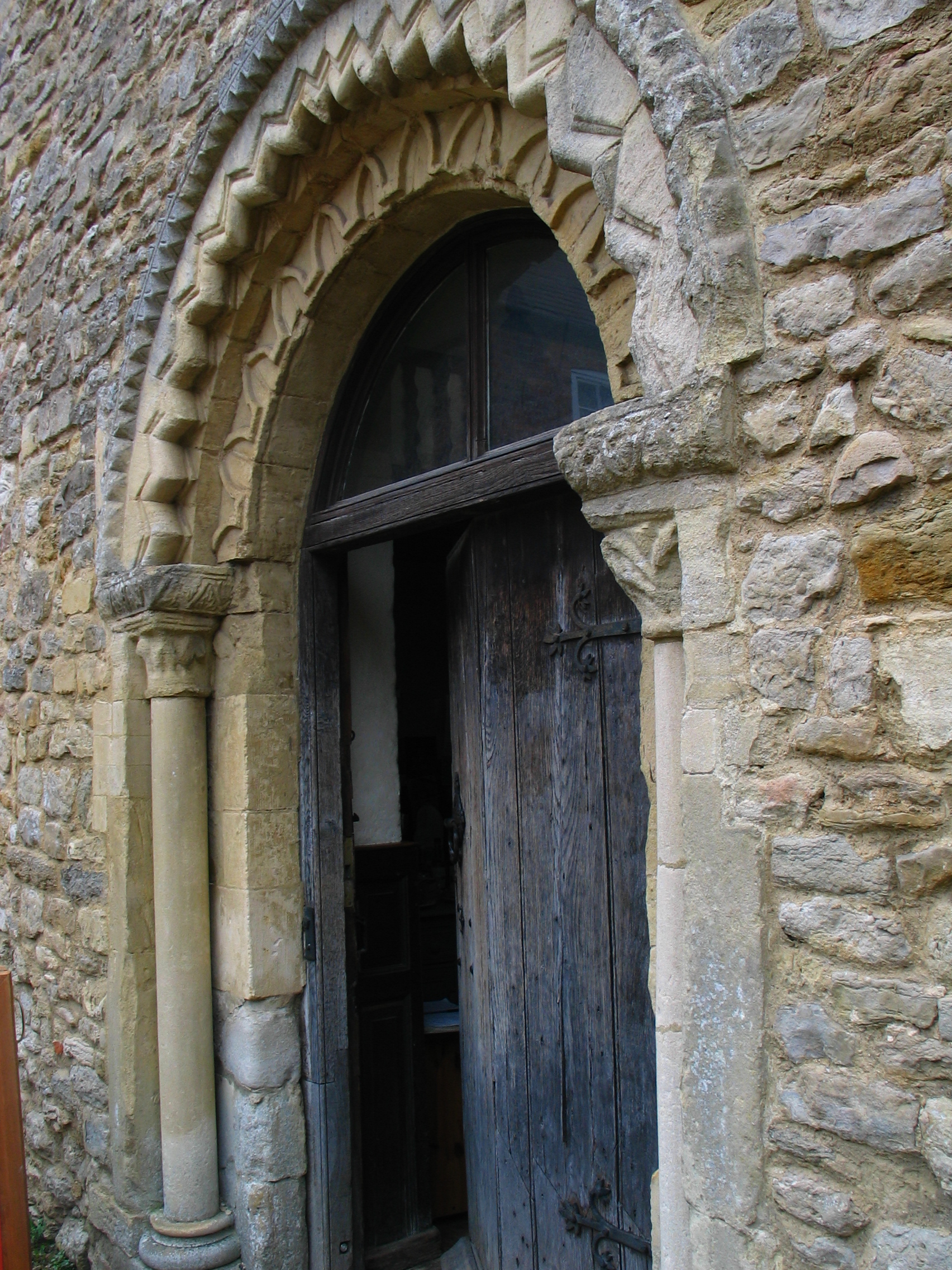 Chantry chapel doorway.JPG