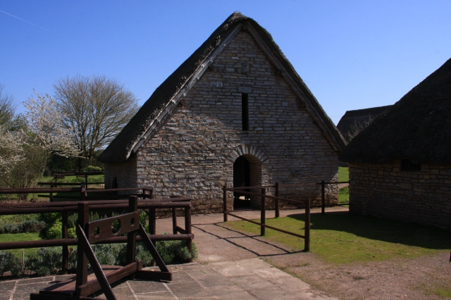 Tithe barn side entrance.JPG