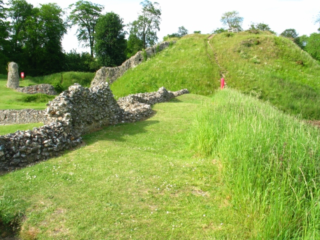 Motte and walls.JPG