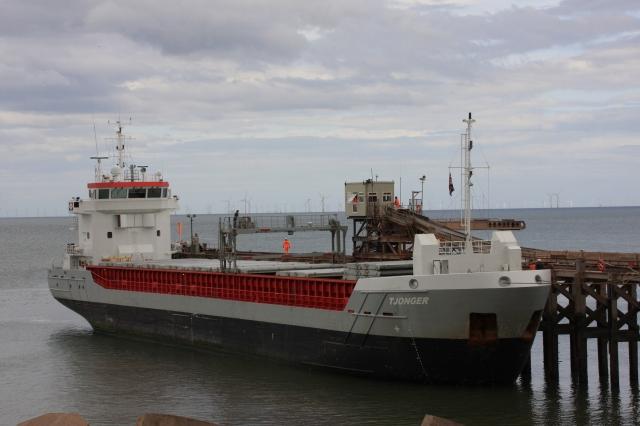docking ship 2.JPG