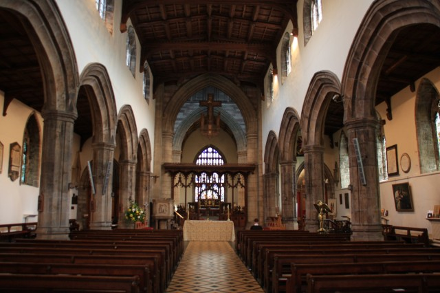 Interior of Bangor cathedral.JPG