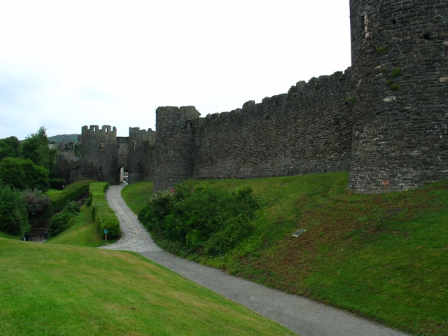 Town walls.JPG