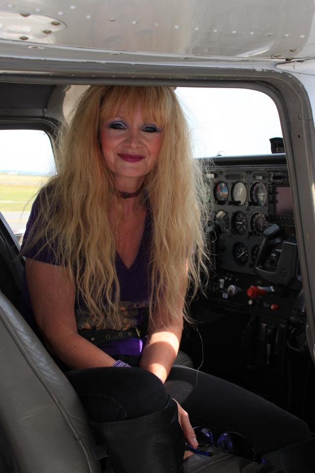 Alli in Cessna
