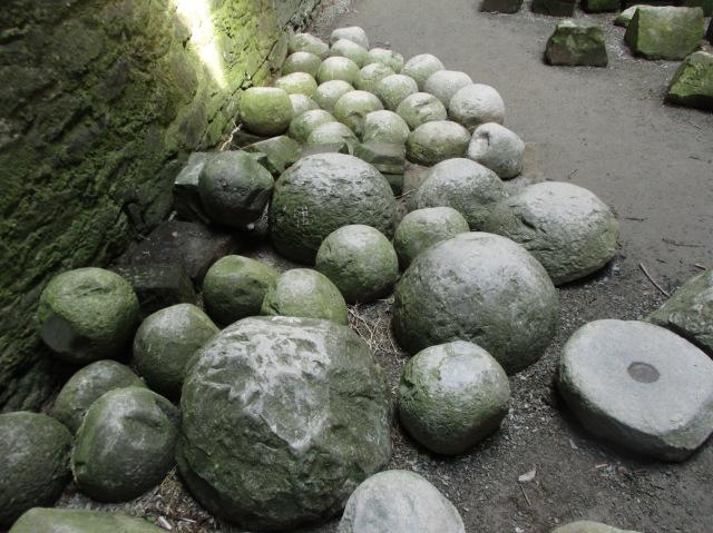 Canon balls Harlech.JPG